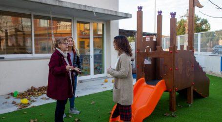 Conxa Garcia visita l'Escola municipal Ninos Mon Peixet per coneixer les seues millores