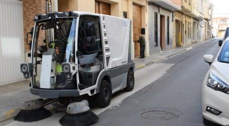 Benetusser adquiere para su servicio de limpieza dos vehículos y una barredora 100% eléctricos