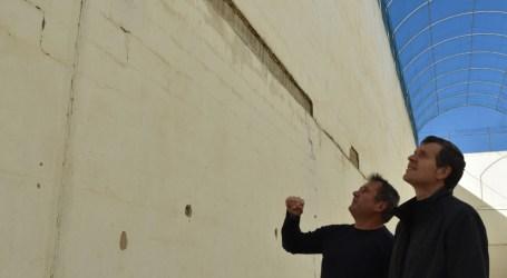 El carrer de pilota del poliesportiu d'Albalat dels Sorells serà reparat