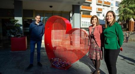 Mislata instala contenedores en forma de corazón para recolectar tapones de plástico