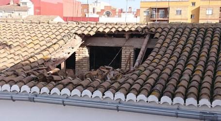 Se hunde el tejado de un edificio de dos plantas en Aldaia, sin heridos