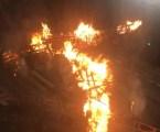 Amanece quemada por acto vandálico la falla de Especial Reino de Valencia