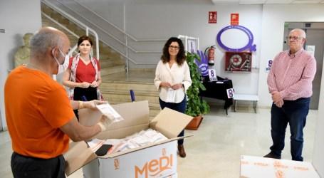 Las mascarillas higiénicas adquiridas por la Mancomunitat de l'Horta Sud empiezan a llegar a los municipios de la comarca
