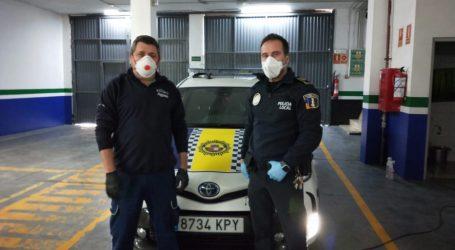 Los coches de la Policía Local de Burjassot se limpian y desinfectan con ozono