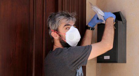 Repartiment de màscares i certificat digital a l'Ajuntament de Puçol