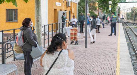 L'Ajuntament de Picassent reparteix mascaretes al personal treballador que viatja en transport públic