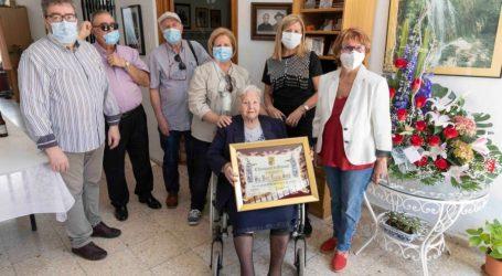 La veïna de Picassent, Pura Garcia Soria, compleix 100 anys de vida en ple confinament