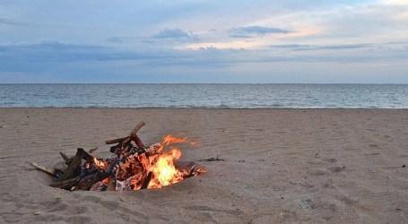 Sanidad no prohibe la celebración de la noche de San Juan y València y Alboraya dicen que cerrarán sus playas esa noche