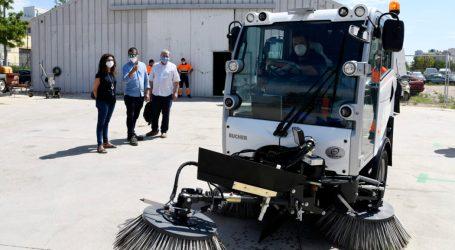 Paiporta ESPAI estrena dos noves màquines agranadores per a la neteja dels carrers