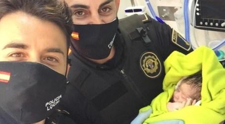 Dos agentes de Albuixech traen al mundo a un bebé