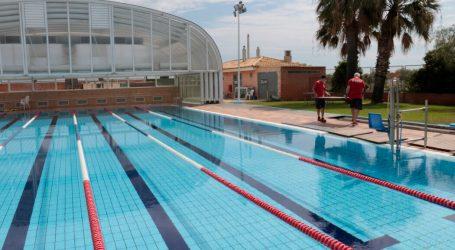 Puçol programa nous horaris d'estiu en la Piscina Municipal, per a bany recreatiu i esportiu