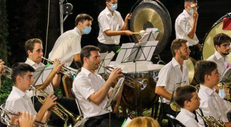 Dos espectaculares conciertos ponen punto final a Música a la Fresca en Torrent