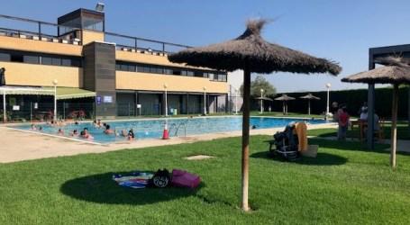 Albalat dels Sorells valora «molt positivament» els primers dies d'obertura de la piscina i l'escoleta