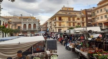 El mercado ambulante de los martes vuelve a la Plaza del Pueblo de Paterna