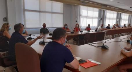 La Creu Roja i el col·legi Gregori Mayans presenten a l'Ajuntament el projecte Ciutat 11