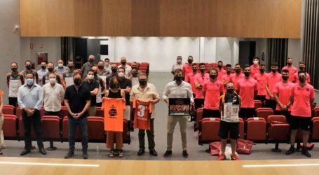 El Torrent C.F. visita el Ayuntamiento como celebración por su ascenso a Tercera División