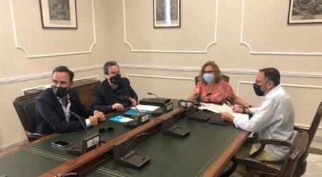 La regidora Pilar Bernabé ressalta «l'aliança d'administració i el sector de l'oci» i reclama «el suport de la ciutadania»