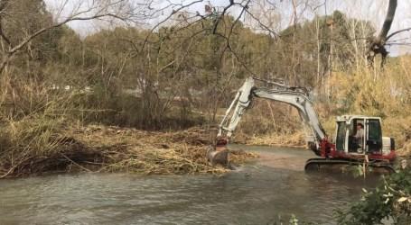 Se invertirán 376.000 euros más para limpiar de cañas la cuenca del río Túria
