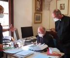 El Archivo de la Catedral de Valencia recibe ejemplar Tesis Doctoral sobre el Santo Cáliz de la Dra. Ana Mafé García