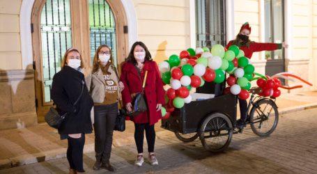 Javier Flores, Lucía Mayordomo i Maria Benavent, guanyadors del Concurs Infantil de Postals Nadalenques de la Junta Local Fallera