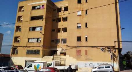 """El Ayuntamiento de Paterna concluye el desalojo de la """"finca amarilla"""" y prepara su derribo"""