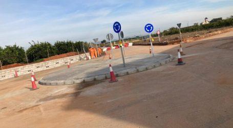 Alcàsser mejora el cruce del camino de la Clavera con la construcción de una rotonda