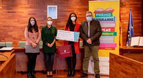 Salvador Laudet e Isabel Garcia, ganadores de los 'Premis Literaris Ciutat de Torrent'