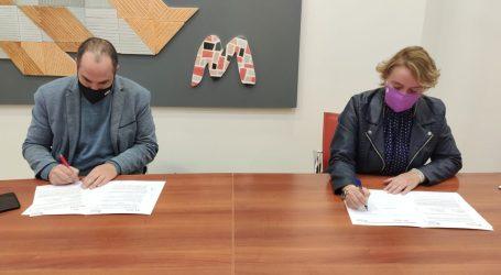 La Mancomunitat de l'Horta Sud firma un convenio con Florida Universitària que facilitará a sus estudiantes el acceso a prácticas formativas en los ayuntamientos