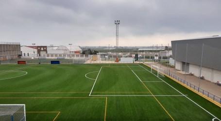 Meliana recepciona l'obra del canvi de gespa del camp de futbol