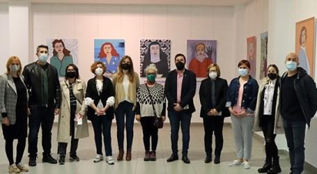 Inauguració a Rafelbunyol de l'exposició 'Dones amb Molta Història'