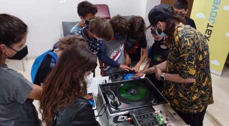 Foios realitza una jornada amb activitats de música i dansa per a la població jove