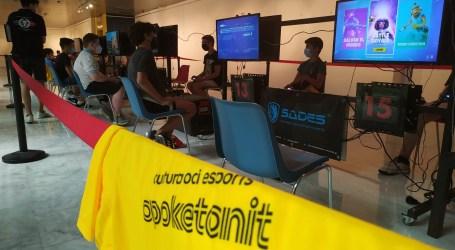 Cerca de 200 jóvenes disfrutan del APOKETANIT 2021 en Aldaia