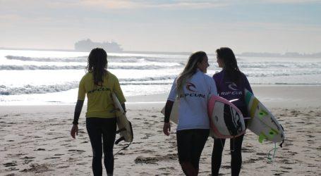 Mediterranean Surf School y La Universidad Católica de Valencia presentan el primer campeonato de Surf del CADU en la Playa de la Patacona de Alboraya