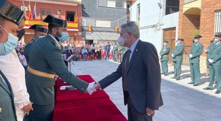 La Guardia Civil de Alfafar-Catarroja condecora al alcalde de Albal en el Día de su Patrona