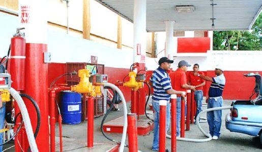 Gobierno sube RD$3.00 y RD$2.00 a los dos tipos de gasoil y RD$1.00 al GLP