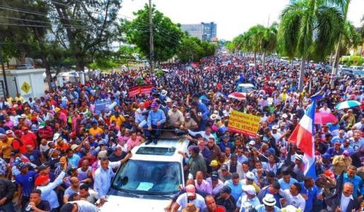 Leonel dice respeta presidente Medina y Comité Político pero rechaza reforma constitucional
