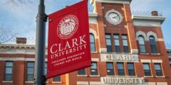 منحة جامعة كلارك لدراسة البكالوريوس في الولايات المتحدة الأمريكية 2021