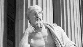 أشهر المؤرخين فى العالم