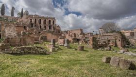 أهم المعلومات عن تلال روما السبعة