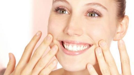 5 طرق طبيعية للتخلص من التجاعيد حول الفم
