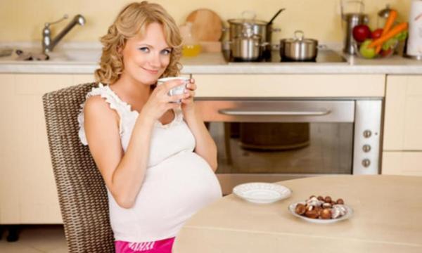 الأعشاب الآمنة خلال فترة الحمل