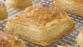 أفكار لحلويات لذيذة بعجينة البف باستري