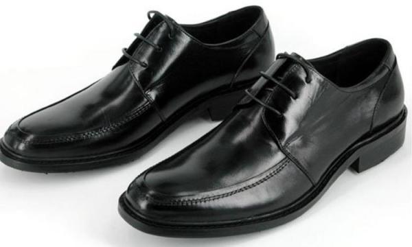 تفسير حلم رؤية الحذاء الجديد في المنام