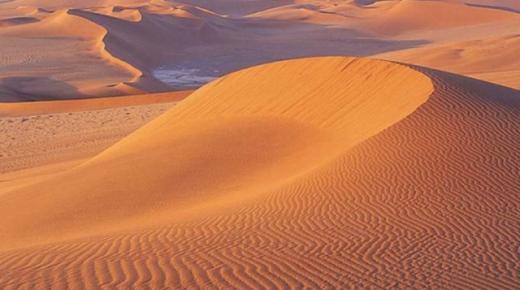 تفسير حلم رؤية الرمال في المنام