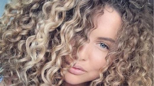 تفسير حلم رؤية الشعر المجعد في المنام