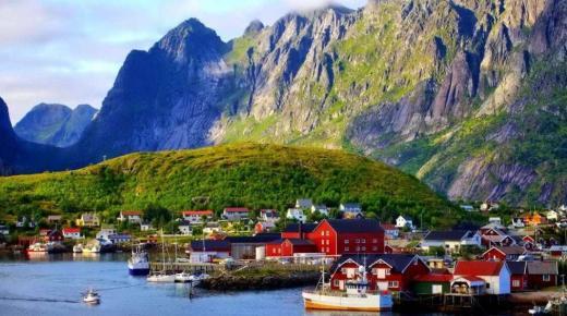 بم تشتهر مملكة النرويج ؟