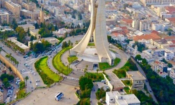 بم تشتهر دولة الجزائر ؟