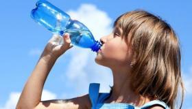 تفسير حلم رؤية شرب الماء في المنام