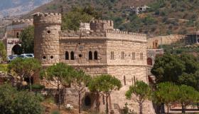 أين يقع قصر موسى ؟