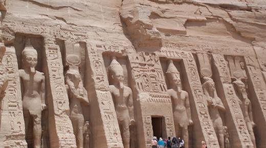 ماذا تعرف عن معبد أبو سمبل
